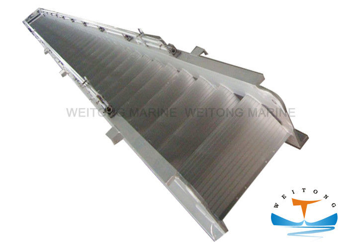 Steel Marine Boat Ladders 4-21m Length ISO5488 Certificated For Disembarking